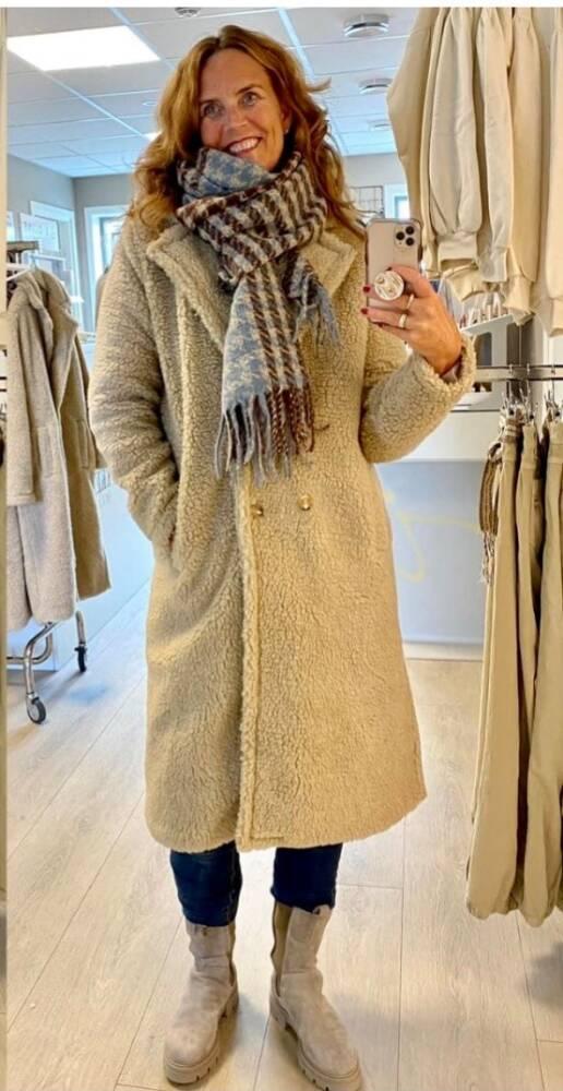 Tiffany Fur Coat, Teddy Fur